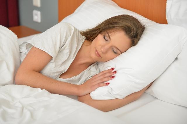 寝方で体をゆがませない
